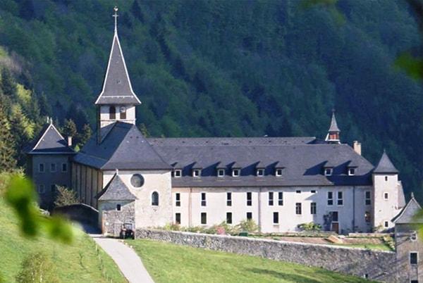 Découverte de Abbaye Notre-Dame de Tami en Taxi à partir de Moutiers